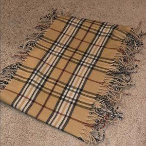 Burberry pattern Scarf